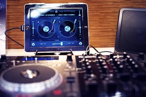 Djay mixing app